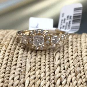 Jewelry - 14kt Diamond Engagement Ring